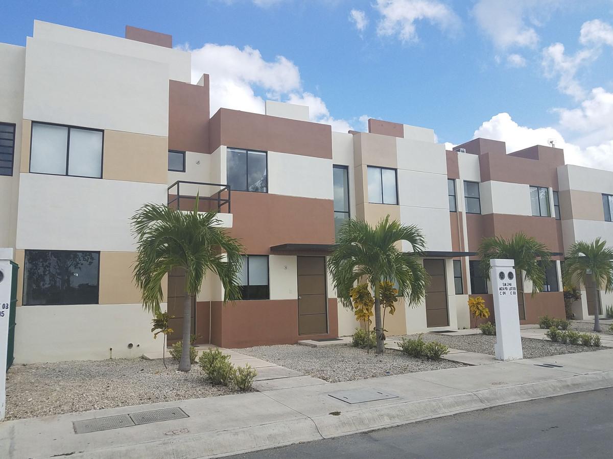 Las Fuentes Residencial 12