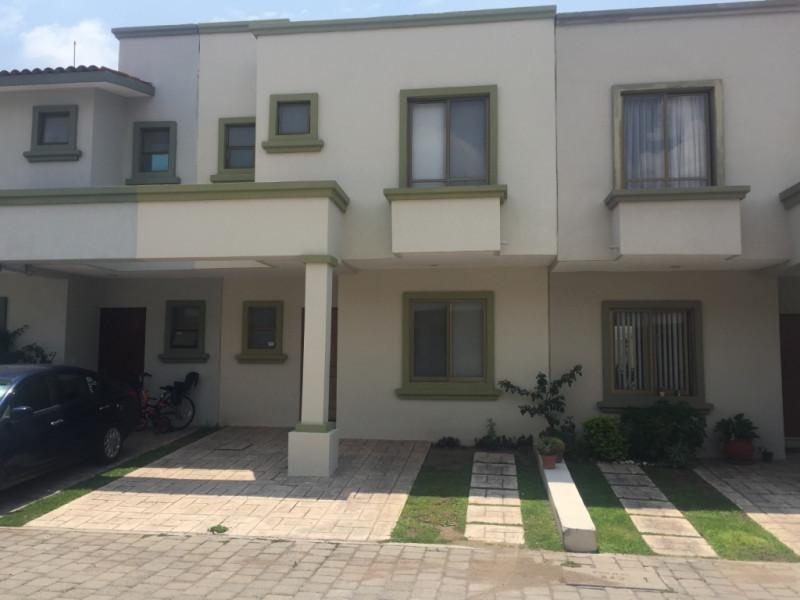Casa En Venta En Prolongación Mariano Otero Int Clavel 253