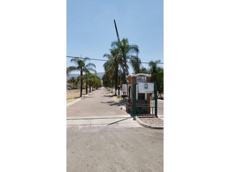 Terreno En Venta En Av Tres Reyes Cajititlan Tlajomulco De