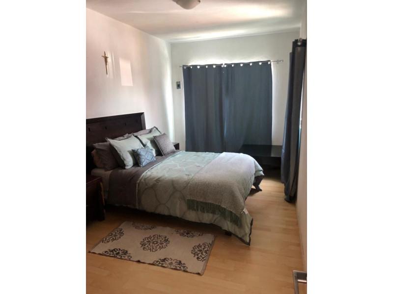 Casa Duplex en Venta en la Guadalupana, ambos niveles, 1 lugar de estacionamiento, Planta Baja cuenta con 3 recámara, sala, comedor y cocina, en planta alta cuenta con 2 recámaras con duela, cocina integral, sala y comedor. 8