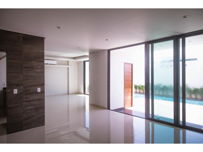 Casa en venta fraccionamiento residencial fluvial vall for Casa moderna 80m2