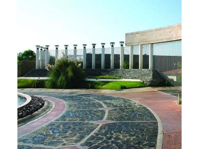 Terreno en Sendero las Moras, Excelente ubicación, condominio con gran plusvalía con vigilancia las 24 hrs.  Excelente inversión   2