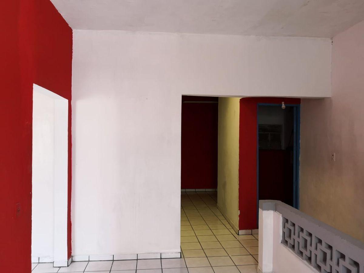 Se vende Local de oportunidad en Colonia Americana, en esquina , 2 locales en planta baja y un piso en  planta alta  cuenta con baño y un aparador en la mera esquina. EasyBroker ID: EB-DZ3886 6