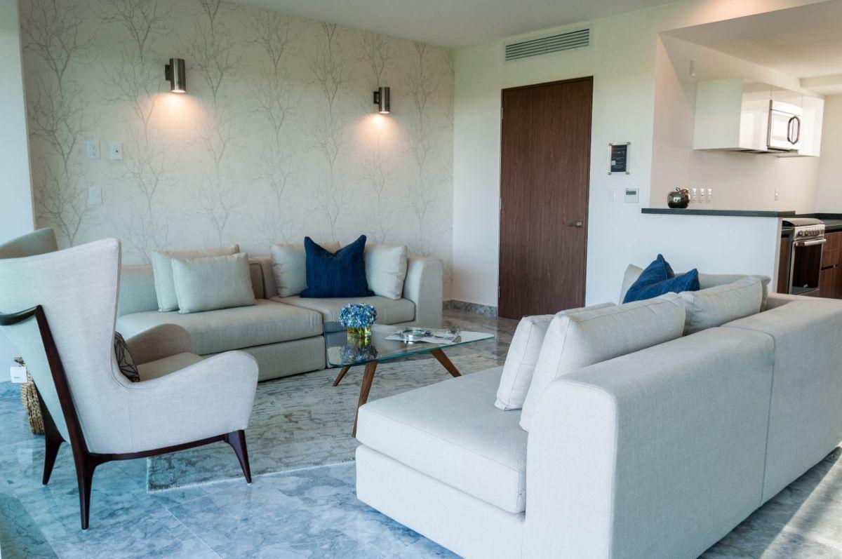 MLS-DCA203 Excelente oportunidad de inversion, Condo a la venta en Cancun Departamento de lujo ubicado dentro de Puerto Cancun, un residencial privado cerca de las zonas mas exclusivas de Cancun. Este desarrollo cuenta con acabados que destacan la exclusividad y confort. Sus amplias terrazas te permiten disfrutar de un hermoso paisaje y de una convivencia al aire libre. Cuenta con amplios jardines, un lobby y gimnasio. Fuera de la torre, se encuentra una piscina de nado y una alberca recreativa, un asoleadero, baños y áreas de convivencia donde el verde predomina con su bella vista al campo de golf. Este departamento te frece extraordinarias amenidades con espacios amplios en un ambiente agradable donde encontrarás sin duda, tranquilidad y confort. amenidades •Seguridad 24/7 •Lobby •Cuarto de juegos •Alberca de nado y recreativa •Asoleadero •Grandes jardines •Spa y sauna •Gym •Cancha de Paddle Tennis •Cancha de fútbol y basquetbol •Business center •Kids club •Salón de usos múltiples •Bodega •Estacionamiento •subterráneo y de visita 2 recamaras 2 baños 158 m2 $ 6,901,000 MXN ($ 363,211 USD) 3 PENTHOUSE recamaras 3 y un medio baño 313 m2 $ 12,844,000 MXN ($ 676,000 USD) El precio puede cambiar de acuerdo a la disponibilidad, demanda y al avance de la obra, contactanos para confirmar el precio actual. #iowncancun #cancunrealstate #cancuncondos  #puertocancun #cancuncondominiums #cancunbroker #cancunlisting #cancunrealty #cancun #cancunlifestyle #Luxurycancun. EasyBroker ID: EB-EA0253 18