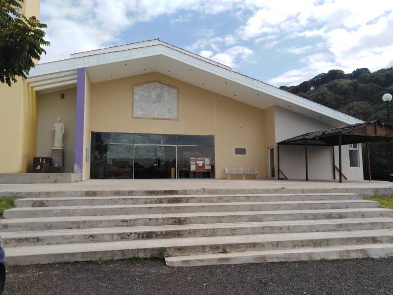 Casa En Venta En Lomas De Los Almendros 1e5 Bosques De