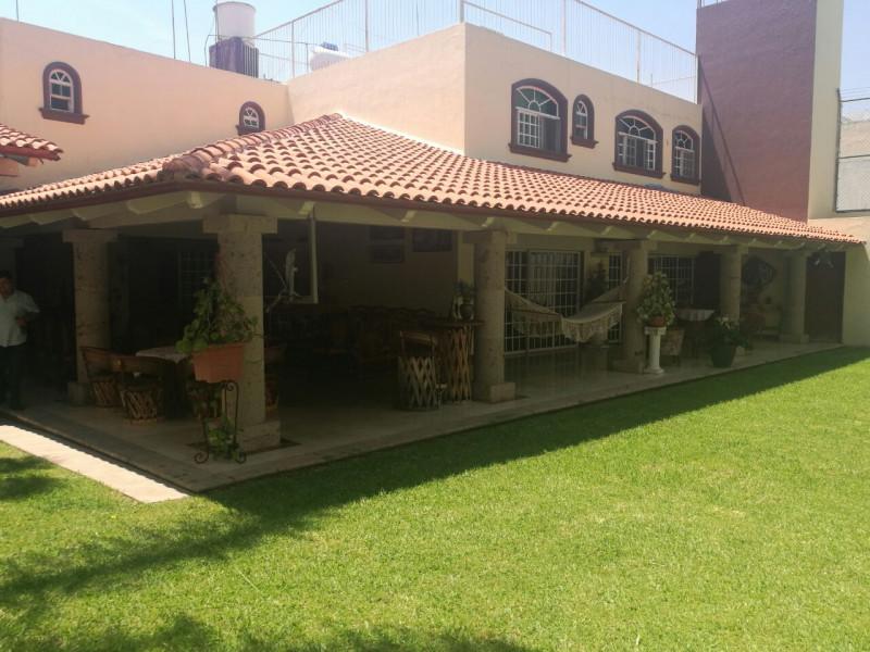 excelente  y amplia casa en venta   4