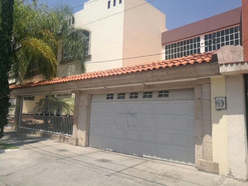 excelente  y amplia casa en venta   6
