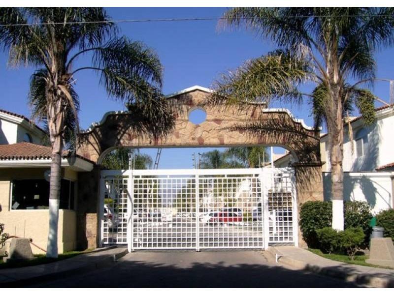 Casa En Renta En Camino Real A Colima 2980 Real De Santa