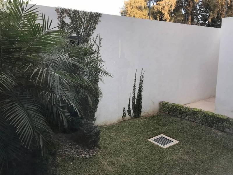 Casa En Venta En Camino A Las Moras 600 San Agust 237 N