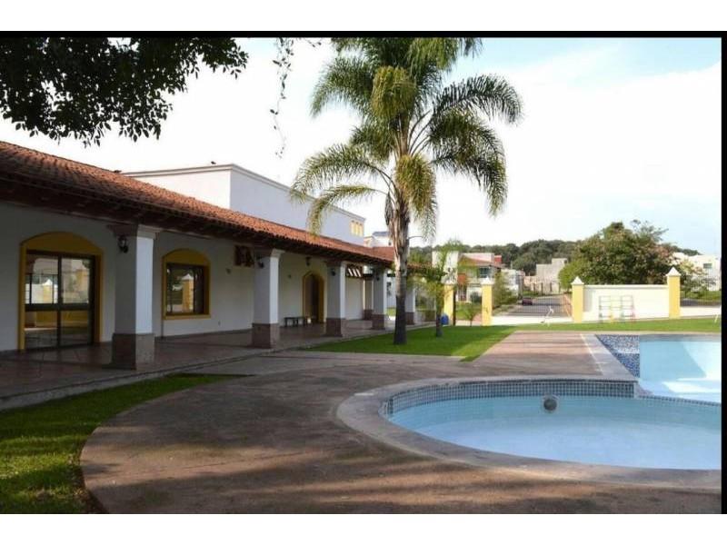 Casa En Venta En Av ángel Leaño 555 Los Robles Zapopan