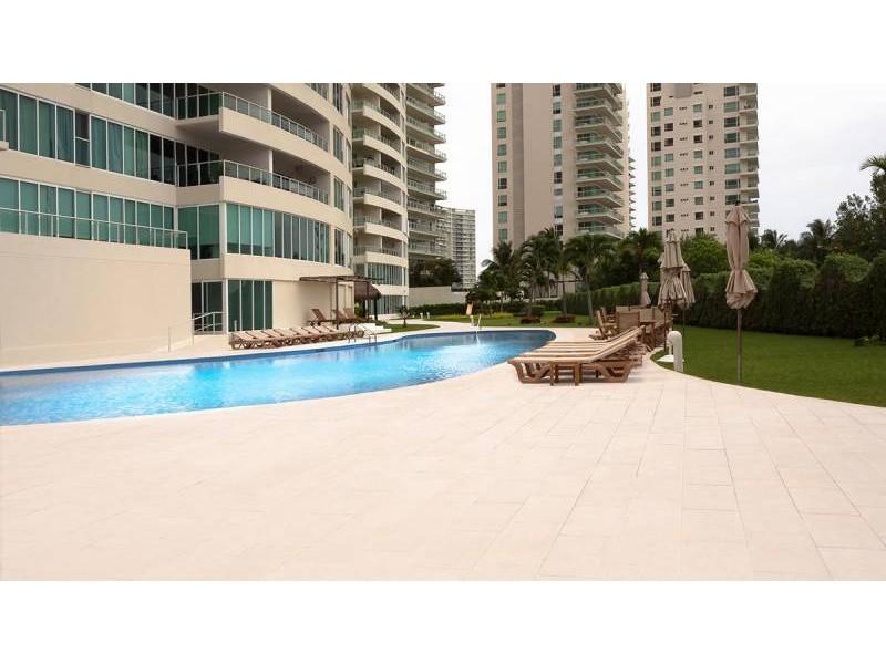 MLS-DCA203  Excelente oportunidad de inversion, Condo a la venta en Cancun  Departamento de lujo ubicado dentro de Puerto Cancun, un residencial privado cerca de las zonas mas exclusivas de Cancun. Este desarrollo cuenta con acabados que destacan la exclusividad y confort. Sus amplias terrazas te permiten disfrutar de un hermoso paisaje y de una convivencia al aire libre.  Cuenta con amplios jardines, un lobby y gimnasio. Fuera de la torre, se encuentra una piscina de nado y una alberca recreativa, un asoleadero, baños y áreas de convivencia donde el verde predomina con su bella vista al campo de golf. Este departamento te frece extraordinarias amenidades con espacios amplios en un ambiente agradable donde encontrarás sin duda, tranquilidad y confort.  amenidades   • Seguridad 24/7  • Lobby  • Cuarto de juegos  • Alberca de nado y recreativa  • Asoleadero  • Grandes jardines  • Spa y sauna  • Gym  • Cancha de Paddle Tennis  • Cancha de fútbol y basquetbol  • Business center  • Kids club  • Salón de usos múltiples  • Bodega  • Estacionamiento  • subterráneo y de visita  2 recamaras 2 baños 158 m2 $ 6,901,000 MXN ($ 363,211 USD)  3 PENTHOUSE recamaras 3 y un medio baño 313 m2 $ 12,844,000 MXN ($ 676,000 USD)  El precio puede cambiar de acuerdo a la disponibilidad, demanda y al avance de la obra, contactanos para confirmar el precio actual.   #iowncancun #cancunrealstate #cancuncondos  #puertocancun #cancuncondominiums #cancunbroker #cancunlisting #cancunrealty #cancun #cancunlifestyle #Luxurycancun  4