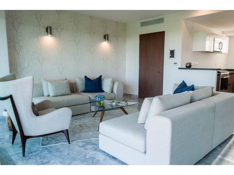MLS-DCA203  Excelente oportunidad de inversion, Condo a la venta en Cancun  Departamento de lujo ubicado dentro de Puerto Cancun, un residencial privado cerca de las zonas mas exclusivas de Cancun. Este desarrollo cuenta con acabados que destacan la exclusividad y confort. Sus amplias terrazas te permiten disfrutar de un hermoso paisaje y de una convivencia al aire libre.  Cuenta con amplios jardines, un lobby y gimnasio. Fuera de la torre, se encuentra una piscina de nado y una alberca recreativa, un asoleadero, baños y áreas de convivencia donde el verde predomina con su bella vista al campo de golf. Este departamento te frece extraordinarias amenidades con espacios amplios en un ambiente agradable donde encontrarás sin duda, tranquilidad y confort.  amenidades   • Seguridad 24/7  • Lobby  • Cuarto de juegos  • Alberca de nado y recreativa  • Asoleadero  • Grandes jardines  • Spa y sauna  • Gym  • Cancha de Paddle Tennis  • Cancha de fútbol y basquetbol  • Business center  • Kids club  • Salón de usos múltiples  • Bodega  • Estacionamiento  • subterráneo y de visita  2 recamaras 2 baños 158 m2 $ 6,901,000 MXN ($ 363,211 USD)  3 PENTHOUSE recamaras 3 y un medio baño 313 m2 $ 12,844,000 MXN ($ 676,000 USD)  El precio puede cambiar de acuerdo a la disponibilidad, demanda y al avance de la obra, contactanos para confirmar el precio actual.   #iowncancun #cancunrealstate #cancuncondos  #puertocancun #cancuncondominiums #cancunbroker #cancunlisting #cancunrealty #cancun #cancunlifestyle #Luxurycancun  7