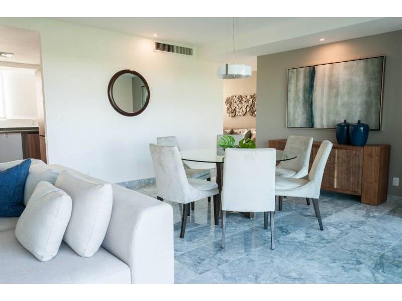MLS-DCA203  Excelente oportunidad de inversion, Condo a la venta en Cancun  Departamento de lujo ubicado dentro de Puerto Cancun, un residencial privado cerca de las zonas mas exclusivas de Cancun. Este desarrollo cuenta con acabados que destacan la exclusividad y confort. Sus amplias terrazas te permiten disfrutar de un hermoso paisaje y de una convivencia al aire libre.  Cuenta con amplios jardines, un lobby y gimnasio. Fuera de la torre, se encuentra una piscina de nado y una alberca recreativa, un asoleadero, baños y áreas de convivencia donde el verde predomina con su bella vista al campo de golf. Este departamento te frece extraordinarias amenidades con espacios amplios en un ambiente agradable donde encontrarás sin duda, tranquilidad y confort.  amenidades   • Seguridad 24/7  • Lobby  • Cuarto de juegos  • Alberca de nado y recreativa  • Asoleadero  • Grandes jardines  • Spa y sauna  • Gym  • Cancha de Paddle Tennis  • Cancha de fútbol y basquetbol  • Business center  • Kids club  • Salón de usos múltiples  • Bodega  • Estacionamiento  • subterráneo y de visita  2 recamaras 2 baños 158 m2 $ 6,901,000 MXN ($ 363,211 USD)  3 PENTHOUSE recamaras 3 y un medio baño 313 m2 $ 12,844,000 MXN ($ 676,000 USD)  El precio puede cambiar de acuerdo a la disponibilidad, demanda y al avance de la obra, contactanos para confirmar el precio actual.   #iowncancun #cancunrealstate #cancuncondos  #puertocancun #cancuncondominiums #cancunbroker #cancunlisting #cancunrealty #cancun #cancunlifestyle #Luxurycancun  8