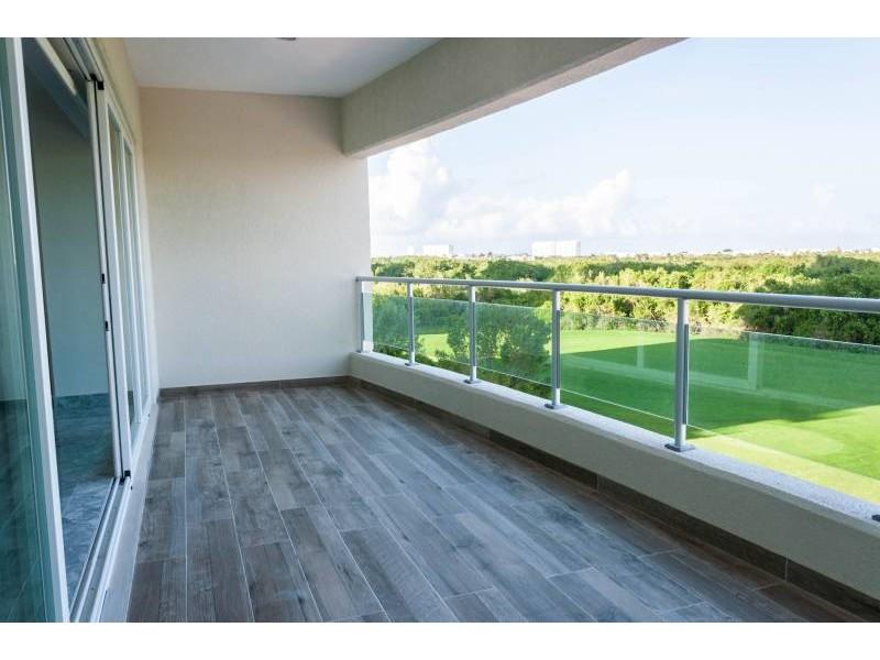 MLS-DCA203  Excelente oportunidad de inversion, Condo a la venta en Cancun  Departamento de lujo ubicado dentro de Puerto Cancun, un residencial privado cerca de las zonas mas exclusivas de Cancun. Este desarrollo cuenta con acabados que destacan la exclusividad y confort. Sus amplias terrazas te permiten disfrutar de un hermoso paisaje y de una convivencia al aire libre.  Cuenta con amplios jardines, un lobby y gimnasio. Fuera de la torre, se encuentra una piscina de nado y una alberca recreativa, un asoleadero, baños y áreas de convivencia donde el verde predomina con su bella vista al campo de golf. Este departamento te frece extraordinarias amenidades con espacios amplios en un ambiente agradable donde encontrarás sin duda, tranquilidad y confort.  amenidades   • Seguridad 24/7  • Lobby  • Cuarto de juegos  • Alberca de nado y recreativa  • Asoleadero  • Grandes jardines  • Spa y sauna  • Gym  • Cancha de Paddle Tennis  • Cancha de fútbol y basquetbol  • Business center  • Kids club  • Salón de usos múltiples  • Bodega  • Estacionamiento  • subterráneo y de visita  2 recamaras 2 baños 158 m2 $ 6,901,000 MXN ($ 363,211 USD)  3 PENTHOUSE recamaras 3 y un medio baño 313 m2 $ 12,844,000 MXN ($ 676,000 USD)  El precio puede cambiar de acuerdo a la disponibilidad, demanda y al avance de la obra, contactanos para confirmar el precio actual.   #iowncancun #cancunrealstate #cancuncondos  #puertocancun #cancuncondominiums #cancunbroker #cancunlisting #cancunrealty #cancun #cancunlifestyle #Luxurycancun  11