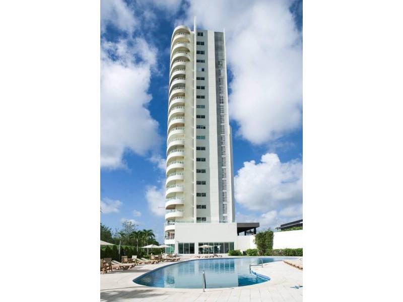 MLS-DCA203  Excelente oportunidad de inversion, Condo a la venta en Cancun  Departamento de lujo ubicado dentro de Puerto Cancun, un residencial privado cerca de las zonas mas exclusivas de Cancun. Este desarrollo cuenta con acabados que destacan la exclusividad y confort. Sus amplias terrazas te permiten disfrutar de un hermoso paisaje y de una convivencia al aire libre.  Cuenta con amplios jardines, un lobby y gimnasio. Fuera de la torre, se encuentra una piscina de nado y una alberca recreativa, un asoleadero, baños y áreas de convivencia donde el verde predomina con su bella vista al campo de golf. Este departamento te frece extraordinarias amenidades con espacios amplios en un ambiente agradable donde encontrarás sin duda, tranquilidad y confort.  amenidades   • Seguridad 24/7  • Lobby  • Cuarto de juegos  • Alberca de nado y recreativa  • Asoleadero  • Grandes jardines  • Spa y sauna  • Gym  • Cancha de Paddle Tennis  • Cancha de fútbol y basquetbol  • Business center  • Kids club  • Salón de usos múltiples  • Bodega  • Estacionamiento  • subterráneo y de visita  2 recamaras 2 baños 158 m2 $ 6,901,000 MXN ($ 363,211 USD)  3 PENTHOUSE recamaras 3 y un medio baño 313 m2 $ 12,844,000 MXN ($ 676,000 USD)  El precio puede cambiar de acuerdo a la disponibilidad, demanda y al avance de la obra, contactanos para confirmar el precio actual.   #iowncancun #cancunrealstate #cancuncondos  #puertocancun #cancuncondominiums #cancunbroker #cancunlisting #cancunrealty #cancun #cancunlifestyle #Luxurycancun  21