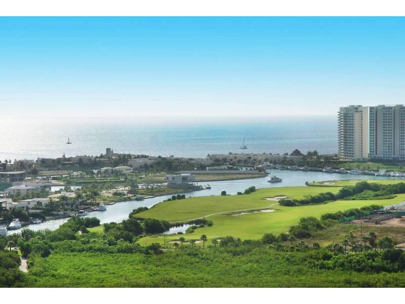 MLS-DCA203  Excelente oportunidad de inversion, Condo a la venta en Cancun  Departamento de lujo ubicado dentro de Puerto Cancun, un residencial privado cerca de las zonas mas exclusivas de Cancun. Este desarrollo cuenta con acabados que destacan la exclusividad y confort. Sus amplias terrazas te permiten disfrutar de un hermoso paisaje y de una convivencia al aire libre.  Cuenta con amplios jardines, un lobby y gimnasio. Fuera de la torre, se encuentra una piscina de nado y una alberca recreativa, un asoleadero, baños y áreas de convivencia donde el verde predomina con su bella vista al campo de golf. Este departamento te frece extraordinarias amenidades con espacios amplios en un ambiente agradable donde encontrarás sin duda, tranquilidad y confort.  amenidades   • Seguridad 24/7  • Lobby  • Cuarto de juegos  • Alberca de nado y recreativa  • Asoleadero  • Grandes jardines  • Spa y sauna  • Gym  • Cancha de Paddle Tennis  • Cancha de fútbol y basquetbol  • Business center  • Kids club  • Salón de usos múltiples  • Bodega  • Estacionamiento  • subterráneo y de visita  2 recamaras 2 baños 158 m2 $ 6,901,000 MXN ($ 363,211 USD)  3 PENTHOUSE recamaras 3 y un medio baño 313 m2 $ 12,844,000 MXN ($ 676,000 USD)  El precio puede cambiar de acuerdo a la disponibilidad, demanda y al avance de la obra, contactanos para confirmar el precio actual.   #iowncancun #cancunrealstate #cancuncondos  #puertocancun #cancuncondominiums #cancunbroker #cancunlisting #cancunrealty #cancun #cancunlifestyle #Luxurycancun  22