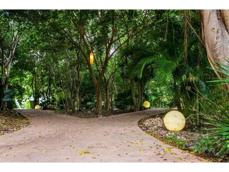 MLS-DCA215  Condo de 2 Recamaras en Arbolada, Cancun  40 Condos Ubicados en la nueva fase de Arbolada Residencial, donde se vive y se disfruta la verdadera naturaleza de Cancún.  Combina lo increible de la naturaleza con lo emocionante del diseño.  - Equipados con todo lo que se necesita para las comodidades de la vida diaria. - Acabados de lujo, con espacios 100% funcionales. - Sala / comedor con cocina integral. - Cubiertas de mármol y granito en baños y cocina. - Carpintería de diseño. - Dos recamaras y dos baños completos. - Diseño de iluminación a base de LEDs  Amenidades  - 50% Áreas verdes. - Alberca con calentadores solares. - Acceso controlado. - Circuito cerrado de vigilancia. - Vigilancia las 24 hrs. - Wi Fi en áreas comunes. - BBQ y Bar Área.   Disponibilidad:  2 Recamaras 2 Baños Balcon 70 m2 Precio: $ 2'055,391 MXN ( $ 108,200 USD).  El precio puede cambiar de acuerdo a la disponibilidad, demanda y al avance de la obra, contactanos para confirmar el precio actual.   #iowncancun #cancunrealstate #cancuncondos  #puertocancun #cancuncondominiums #cancunbroker #cancunlisting #cancunrealty #cancun #cancunlifestyle #Luxurycancun #selvacorealty #newlisting #luxuryrealestate #rivieramaya #realestate #inversion #Broker #Listing #properties #lifestyle #Forsale #exclusivelisting  12