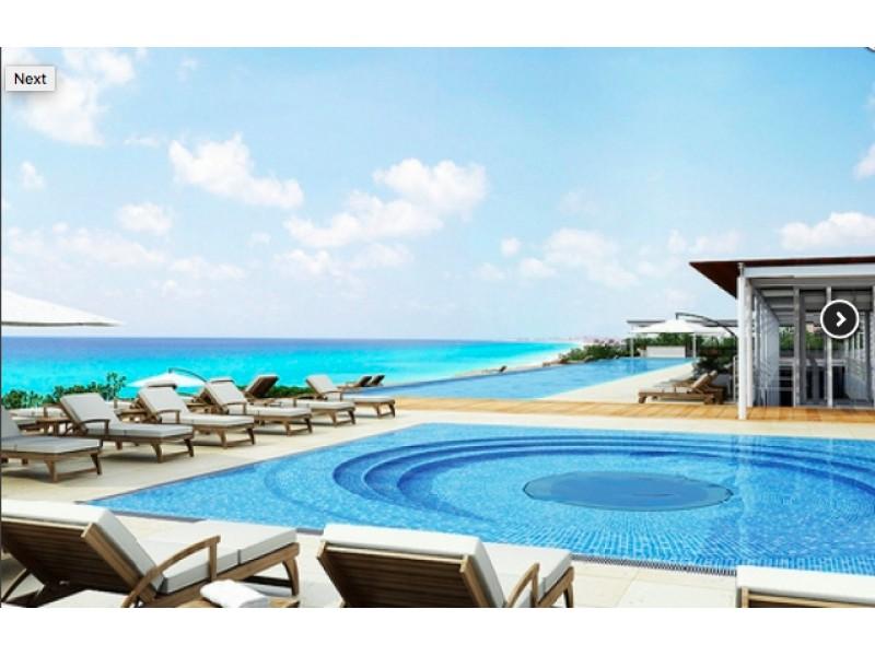 MLS-BRCA203    Departamento frente al mar venta en Emerald Cancun  Edificio frente al mar con 106 residencias de lujo.  Condominio de  3 recamaras con 3.5 baños, terraza con vista al Mar, terraza con vista a la Laguna, sala, comedor, ante comedor, sala de TV, cocina y cuarto de servicio y de lavado.  2 cajones de estacionamiento techados.  Acabados de lujo: Pisos de marmol en interiores y terraza  Cocina de lujo marca Miele  Terraza con jacuzzi vista al mar  Bodega  Amenidades : Motor Lobby Servicio de valet parking Spa Gimnasio y bańo de vapor Restaurante Cancha de tennis Cancha de Paddle tennis Alberca infinity con Camastros y sombrillas tipo lounge Jacuzzi exterior y techado Sala de usos multiples 80 metros de frente de playa Seguridad y circuito cerrado Elevador directo al condominio  3 Recamaras 3.5 Bańos Superficie: 300 m2 Precio: USD1,825,000 (34'675,000 PESOS)  Si deseas saber el inventario completo disponible en este edificio u otras opciones en la zona, contáctanos y te ofrecemos las mejores opciones del mercado. 26