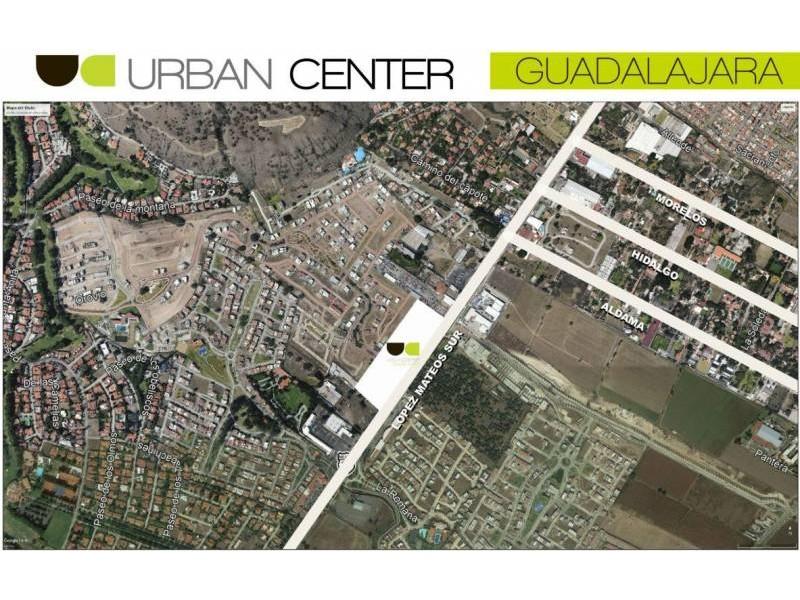 El mejor desarrollo comercial al sur de Guadalajara le ofrece a tu marca exclusivos espacios. Urban Center es un centro comercial que alberga cincuenta locales comerciales, cuenta con estacionamiento descubierto y en sótano, ademas importantes marcas como: Office Max, Petco, Toks, Fresko, Cinepolis, Telcel, Sonora Grill, Starbucks,Chuck E Cheese, Juguetibici, Liberías Gonvill, Nutrisa, por mencionar algunas. Urban Center recibe en promedio 100 mil autos mensuales y también alberga un complejo de oficinas que pudieran ser clientes cautivos para tu marca. 18
