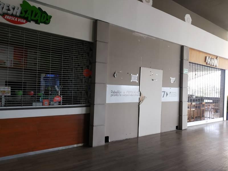 LOCAL COMERCIAL EN VENTA, AREA DE FOOD FAST, EXCELENTE UBICACIÓN DENTRO DEL AREA DE COMIDAS,  35m² MTTO. $2,350.00 APROX.  LA PLAZA YA CUENTA CON RESTAURANTES, CAFETERIAS, CINE, TIENDAS DE MUEBLES, ETC.. DENTRO DE PLAZA PABELLON.  Muy cerca de la universidad de medicina y Andares 2