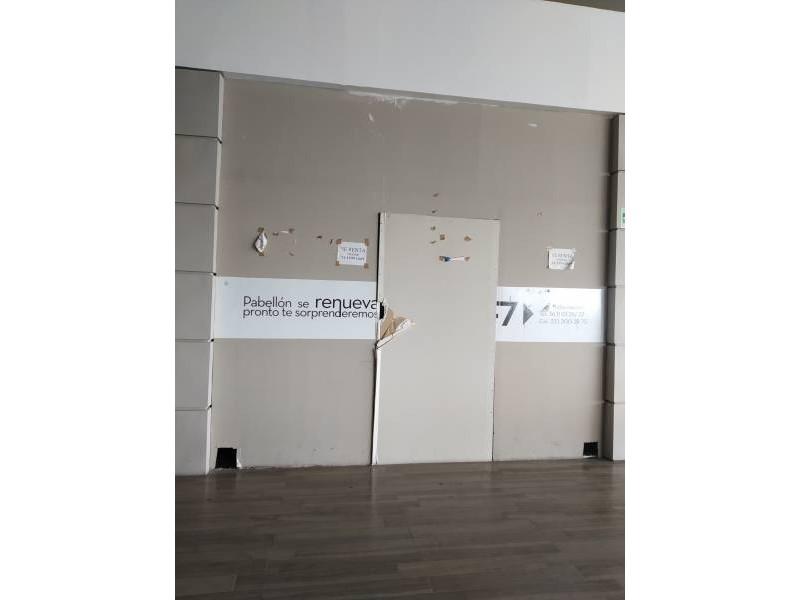 LOCAL COMERCIAL EN VENTA, AREA DE FOOD FAST, EXCELENTE UBICACIÓN DENTRO DEL AREA DE COMIDAS,  35m² MTTO. $2,350.00 APROX.  LA PLAZA YA CUENTA CON RESTAURANTES, CAFETERIAS, CINE, TIENDAS DE MUEBLES, ETC.. DENTRO DE PLAZA PABELLON.  Muy cerca de la universidad de medicina y Andares 5