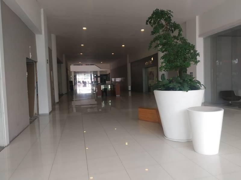 LOCAL COMERCIAL EN VENTA, AREA DE FOOD FAST, EXCELENTE UBICACIÓN DENTRO DEL AREA DE COMIDAS,  35m² MTTO. $2,350.00 APROX.  LA PLAZA YA CUENTA CON RESTAURANTES, CAFETERIAS, CINE, TIENDAS DE MUEBLES, ETC.. DENTRO DE PLAZA PABELLON.  Muy cerca de la universidad de medicina y Andares 7