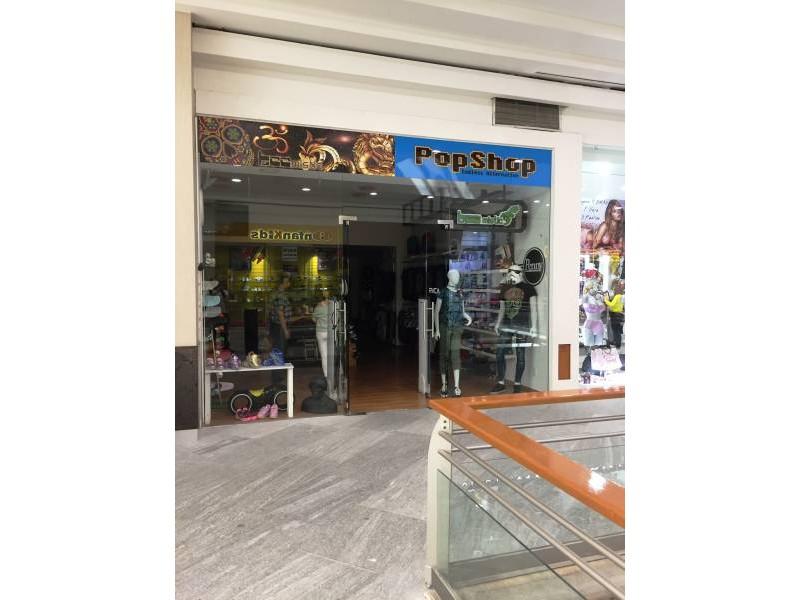 Local comercial en la Gran Plaza, ubicado en el primer piso, a un lado de Massimo dutti. El local cuenta con área abierta, medio baño y tiene un mezzanine de 40m aproximadamente. 9