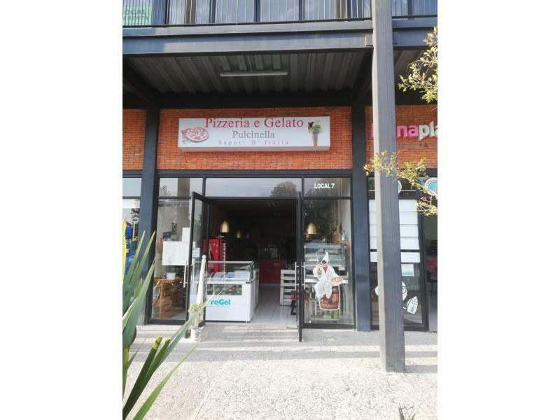 Local comercial en Plaza Campestre, este local se encuentra en el acceso principal al desarrollo EL CAMPESTRE  ubicado en Venta del Astillero. El local se encuentra en P. B, actualmente está pagando renta por lo que es una muy buena oportunidad de inversión.  2