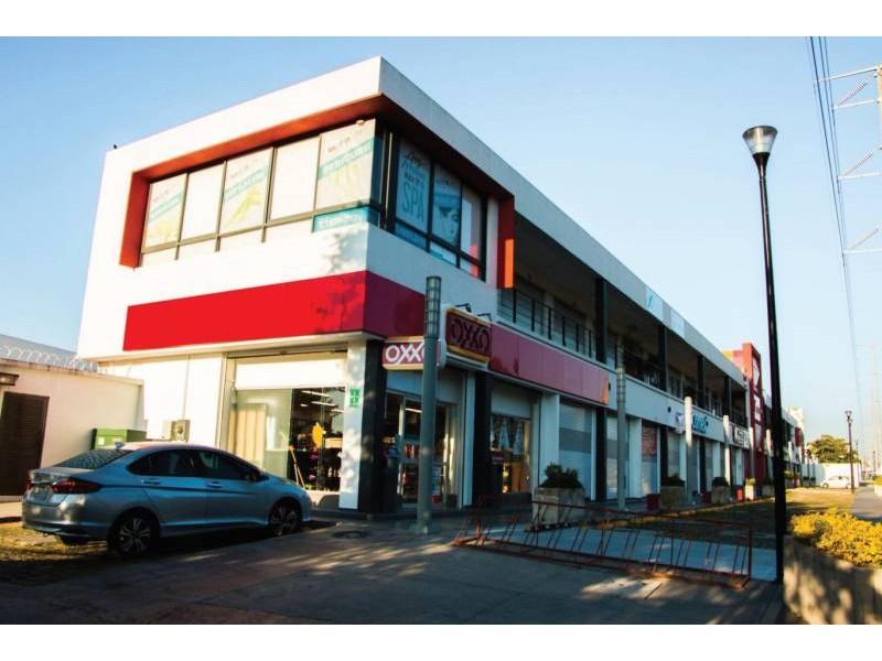 Plaza de Asís: Local Comercial #1 Dimensiones: 167.49m2 Inquilino: SI OXXO contrato a 15 años Primer año rentado (14 años restantes) Renta $29,700* más IVA *en el 2020 hay un incremento del INPC Mantenimiento: 50% inquilino + 50% arrendador 1