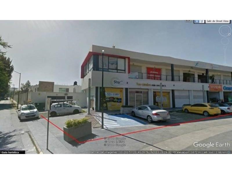 Plaza de Asís: Local Comercial #1 Dimensiones: 167.49m2 Inquilino: SI OXXO contrato a 15 años Primer año rentado (14 años restantes) Renta $29,700* más IVA *en el 2020 hay un incremento del INPC Mantenimiento: 50% inquilino + 50% arrendador 5