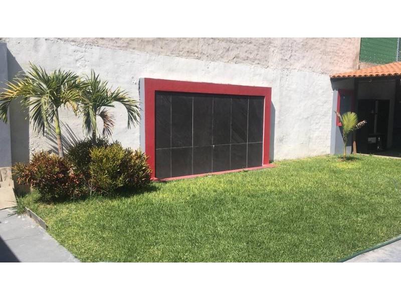 Salon En De Centinela Ii Zapopan Jalisco Casas Y Terrenos